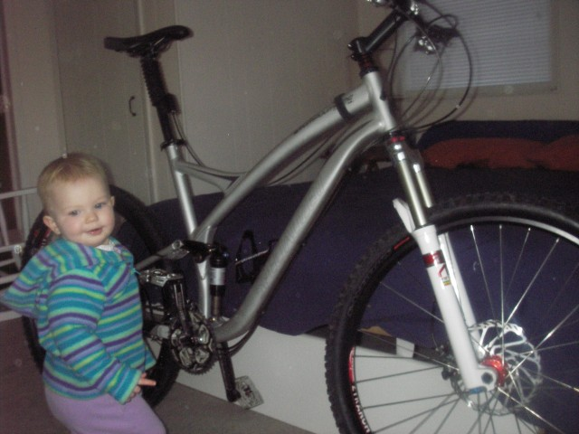 My new bike with my mechanic, she is great!