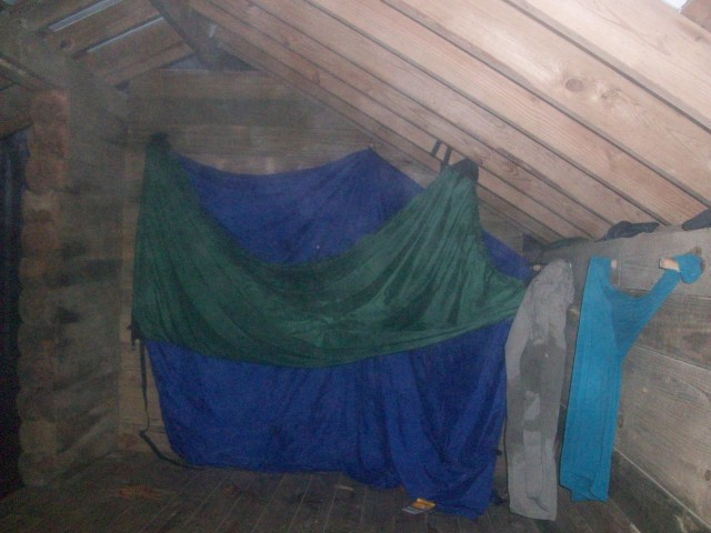Blue Mountain Shelter/Clothes Line