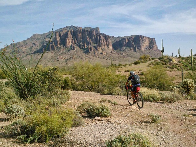 Superstition Mtns getting close as we exit the Goldfields.