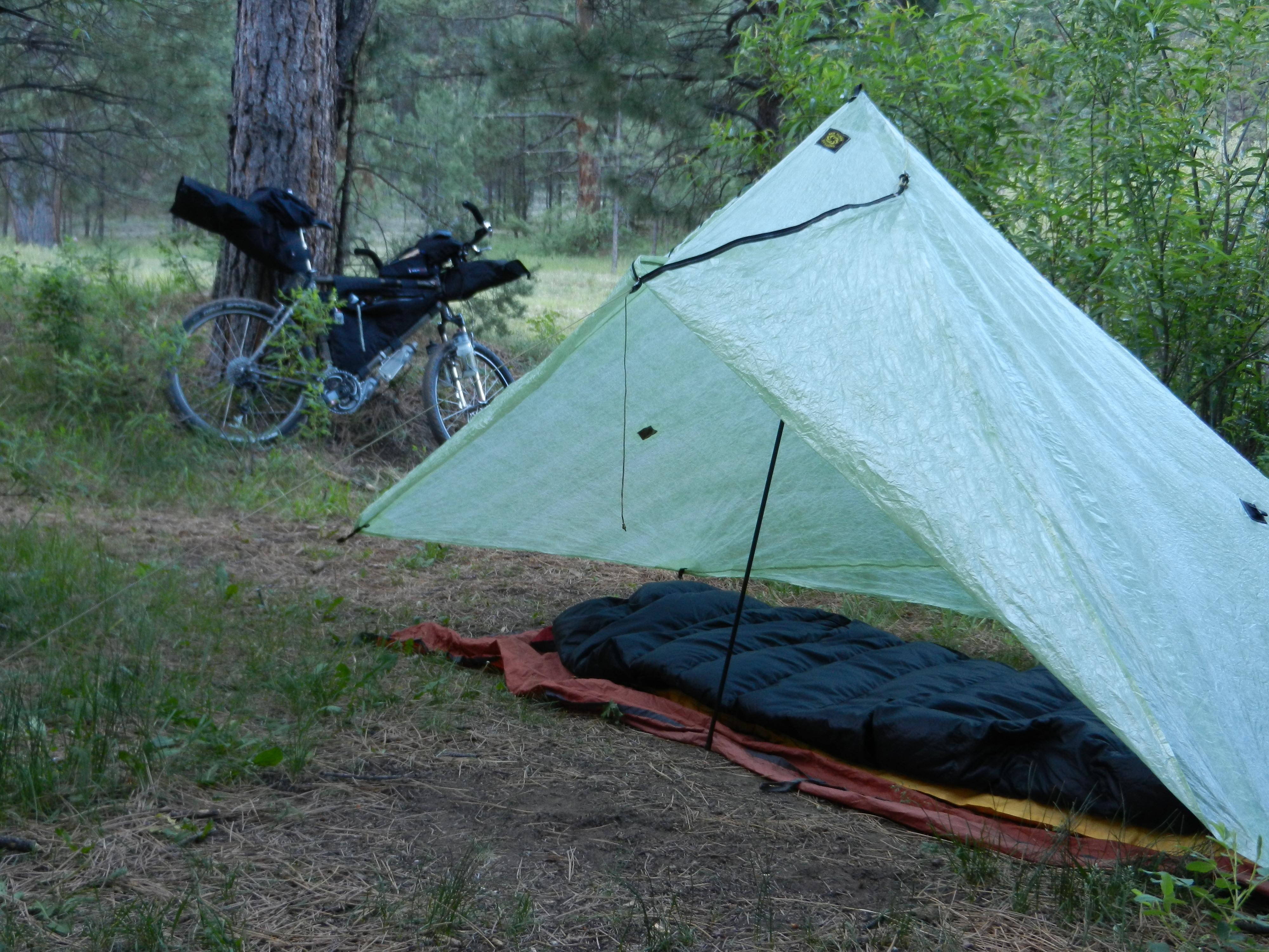 Overnighter + tent 007 & bikepacking.net u003e Shelters u003e Six Moon u201cDeschutesu201d Cuben Fiber Tarp ...